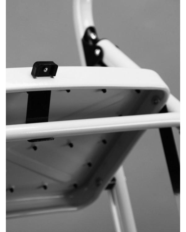 Стремянка 3-х ступенчатая Alterno с широкими антискользящими ступенями.